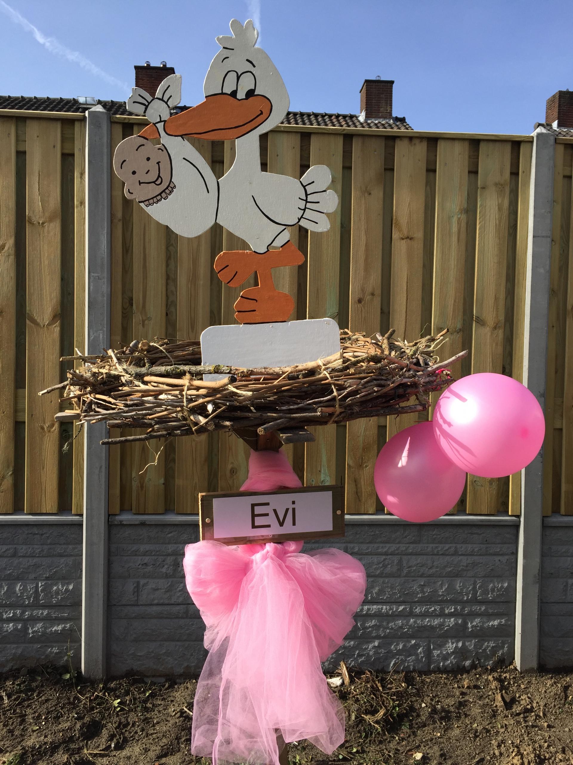 #20 Houten ooievaar op nest, stik, ballonnen
