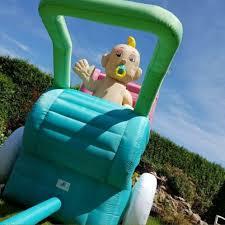 # 30 Wandelwagen met baby, opblaasbaar 1
